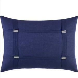 Vera Wang NWT Chevron Accent Pillow
